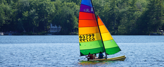 Sailing on Pleasant Lake